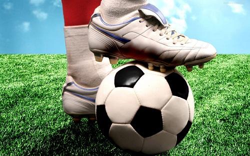 myach_futbolist_forma_noga_getryi_59.jpg